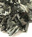 Pyrolusite-pyrol-2-13b.jpg