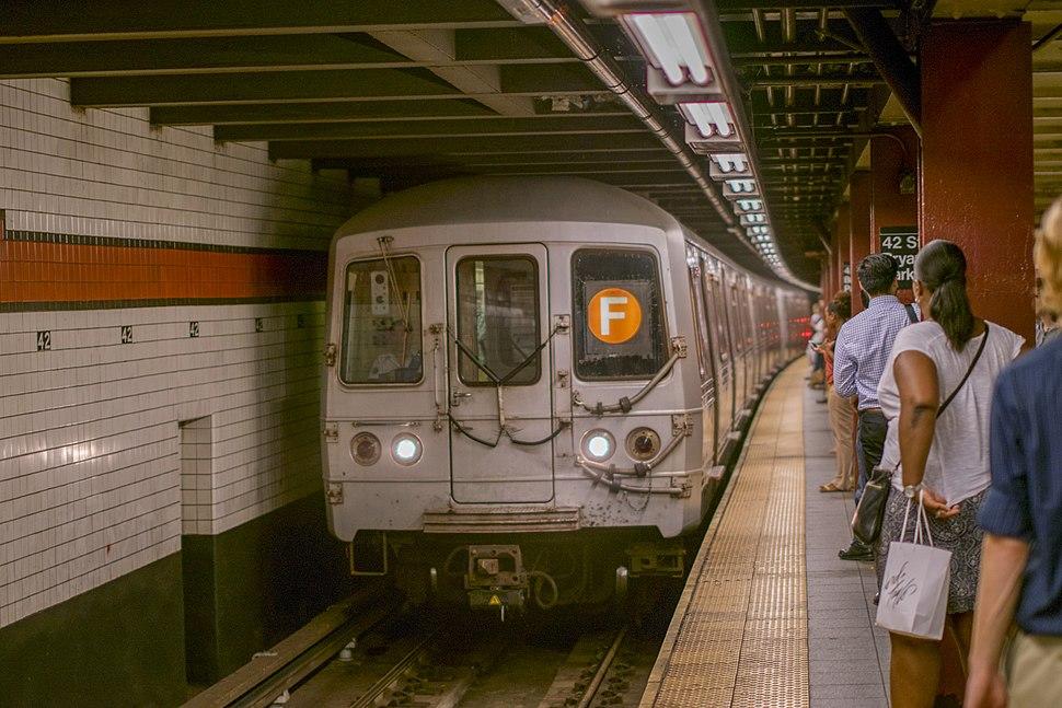 R46 Subway Car, 5732, F, September 5th, 2014.jpg