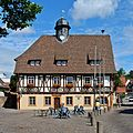 Rathaus Grötzingen 2011-edit.jpg