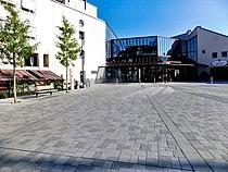 Rathaus Unterschleißheim, Haupteingang, 22.8.2015 - 2.JPG
