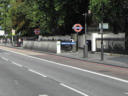 Regent's Park stn entrance 2011