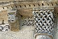 Reich geschmückt, die romanische Apsis (12. Jahrhundert) der Kirche Saint-Vivien-de-Medoc. 21.jpg