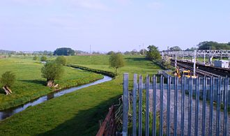 Great Bridgeford - River Sow and railway at Great Bridgeford, looking south towards Stafford, May 2008