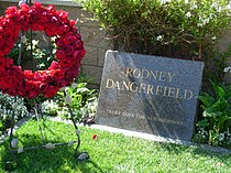 RodneyDangerfieldGravestoneJuly2007.jpg
