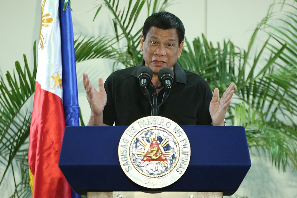Rodrigo Duterte warns government officials engaged in corrupt practices in a news conference 30 September 2016