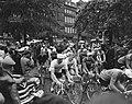 Ronde van Nederland Eerste etappe Start, Bestanddeelnr 908-5557.jpg