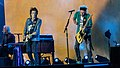 Ronnie Wood, Keith Richards play guitar onstage in London - 22 May 2018 (40532919510).jpg