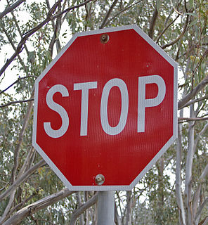 Stop sign Traffic signal alerting drivers to stop