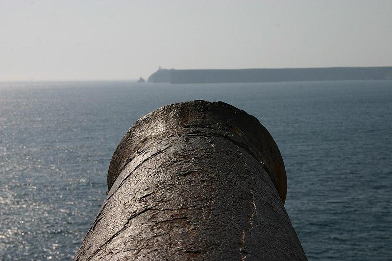 Image:Sagres - Canhão a ver Cabo de São Vicente.jpg