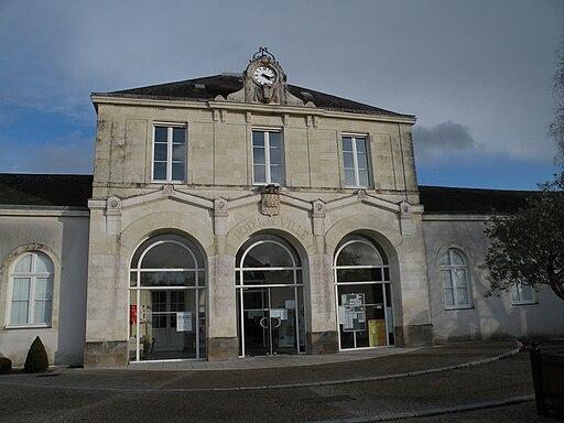 Saint-Étienne-de-Montluc mairie