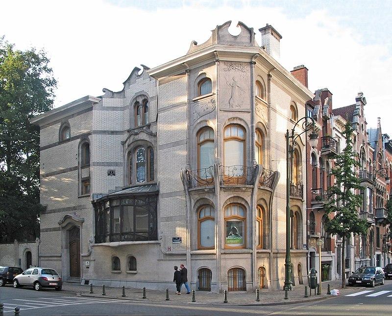 Saint-Gilles, Belgium,  Hotel Hannon façade, Avenue de la Jonction, 1  (1903 - Architect: Jules Brunfaut – Sculptor: Victor Rousseau).