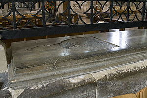 Simon of Ghent - Simon's tomb in Salisbury Cathedral
