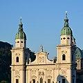 Salzburger Dom Tuerme u Ziergiebel DSC 3147w.jpg