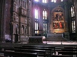 Altar mayor, con el retablo de Tiziano.