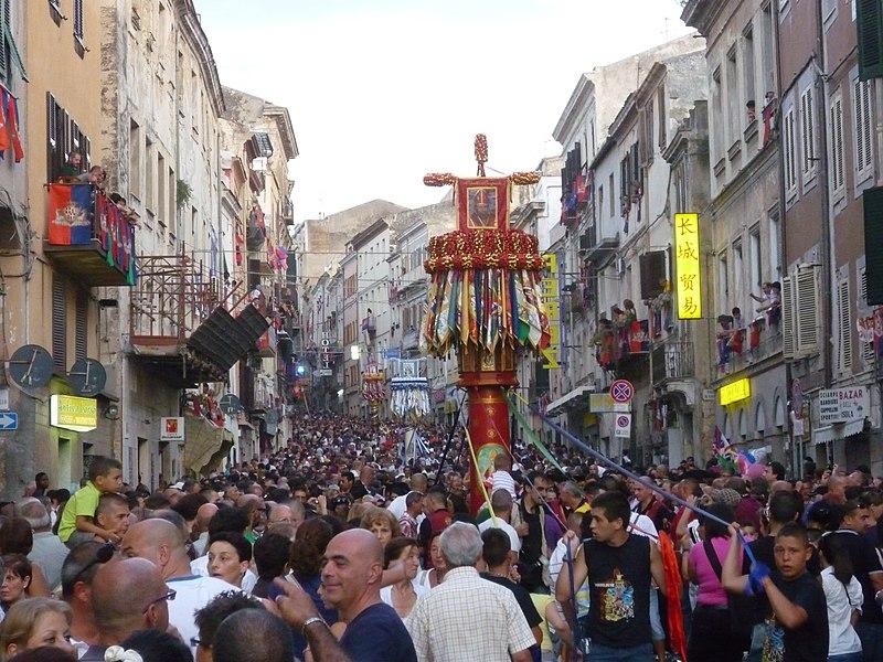 File:Sassari - La Discesa dei candelieri (La Faradda) (12).JPG