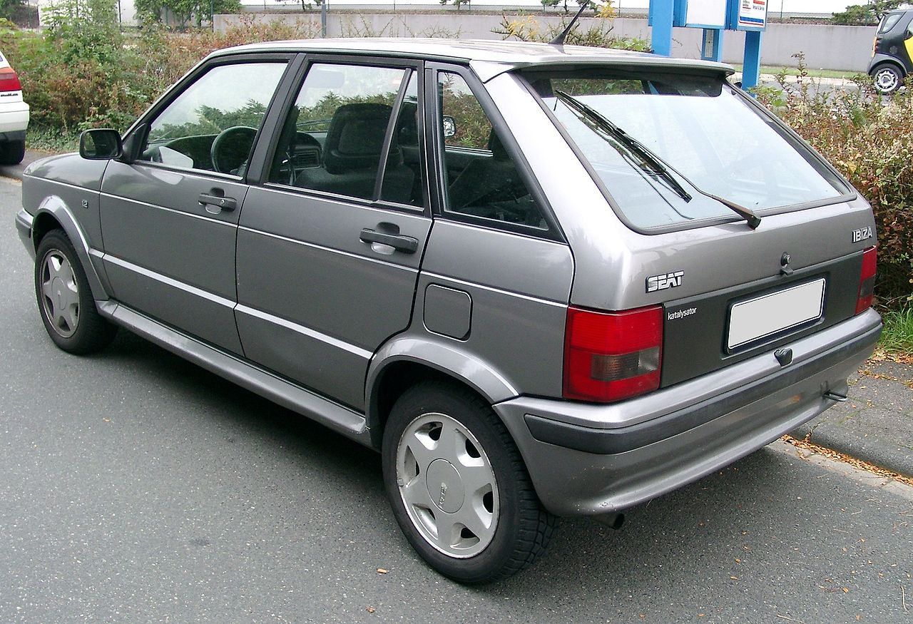 1280px-Seat_Ibiza_rear_20071002.jpg