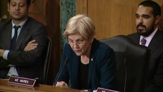 Fichier:Senator Elizabeth Warren questions Wells Fargo CEO John Stumpf at Banking Committee Hearing.webm