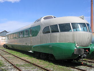History of rail transport in Italy - An ETR 300 Italian fast EMU of the 1950s, used for Settebello service