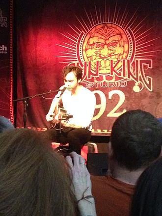 WTTS - Shakey Graves performing in Sun King Studio 92 in 2015
