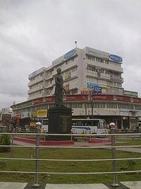 Shakthan Thamparan statue.jpg