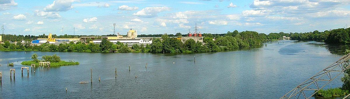Polski: Wschodnia dzielnica składowo-przemysłowa nad Brdą - osiedle Siernieczek