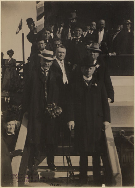 File:Sir Wilfrid Laurier at New Westminster, British Columbia No 6 (HS85-10-22909).jpg