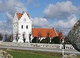 Fil:Skegrie kyrka 2.jpg