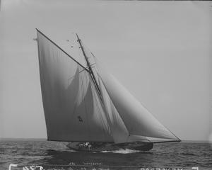 Chicago Yacht Club Race to Mackinac - Image: Sloop Vencedor