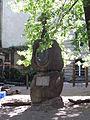 Sophienkirchhof Grave sculpture 02.JPG