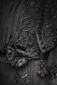 Sorgklänning av svart siden, detalj - Hallwylska museet - 89361.tif