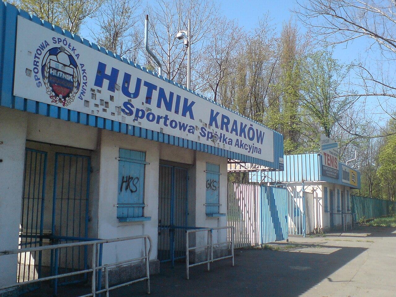 Upadli bogowie: Hutnik Kraków - Zzapołowy | O futbolu w ...