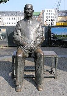 Bertolt Brecht - Wikiquote
