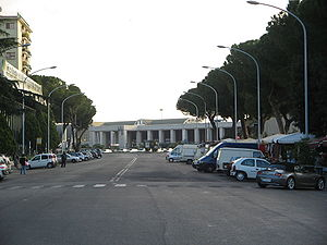 Roma Ostiense railway station - Station building seen from Porta San Paolo