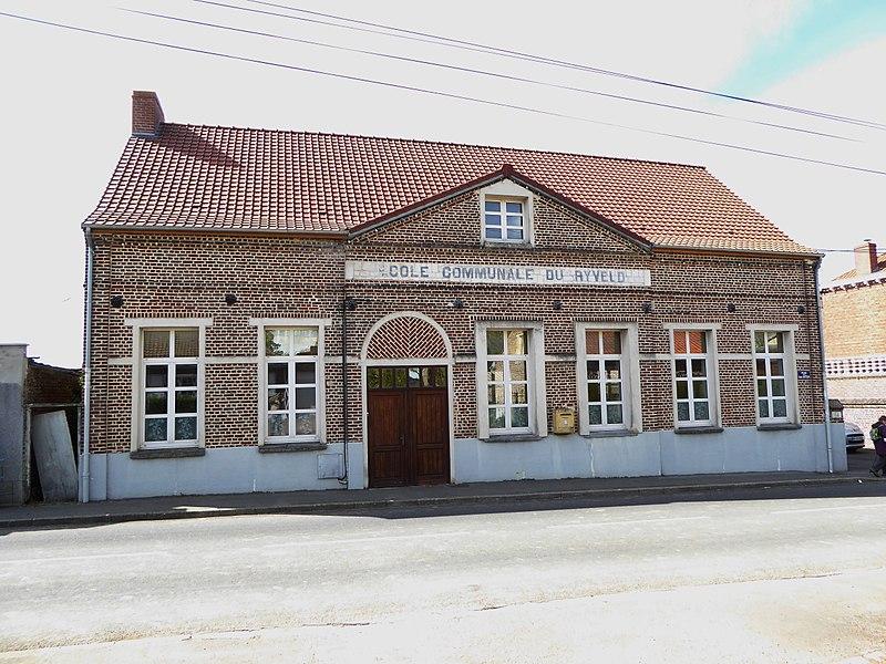 File:Steenvoorde le Ryveld l'école communale.JPG