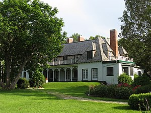 English: The Stephen Leacock House located at ...