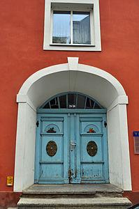 Stralsund, Fährstraße 29 30, Tür (2012-03-11), by Klugschnacker in Wikipedia.jpg