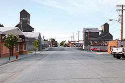 Street-smarts-41-Tioga-North-Dakota-pop 10249.jpg