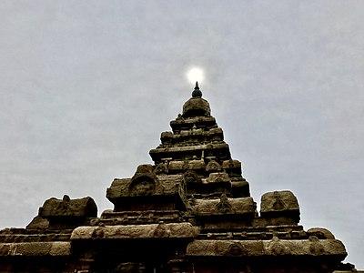 Sun on Shore Temple.jpg