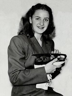 Suzanne Morrow - Suzanne Morrow in 1947