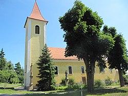 Týnec (BV), kostel z boku.jpg