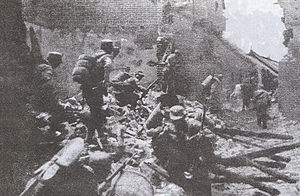 Chinese soldiers in house-to-house fighting in...