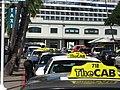 Taxis and Cruise Liner, Honolulu - panoramio.jpg
