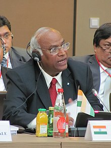 The Union Minister for Labour and Employment, Shri Mallikarjun Kharge addressing the G 20 Labour Ministers Conference, at Paris, France on September 27, 2011.jpg