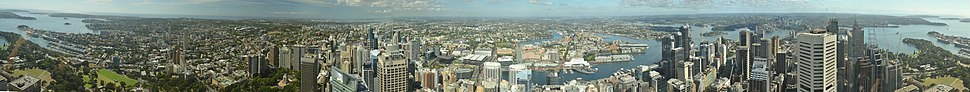 A 360° panorama view of Sydney urban area from Sydney Tower.