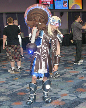 BlizzCon - Fan in Thorim costume