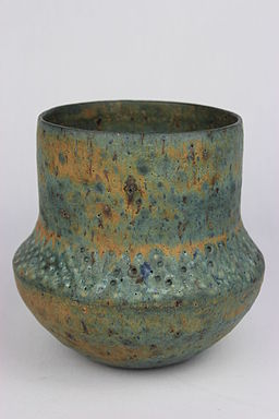 Thrown vase by Lucie Rie (YORYM-2004.1.100)