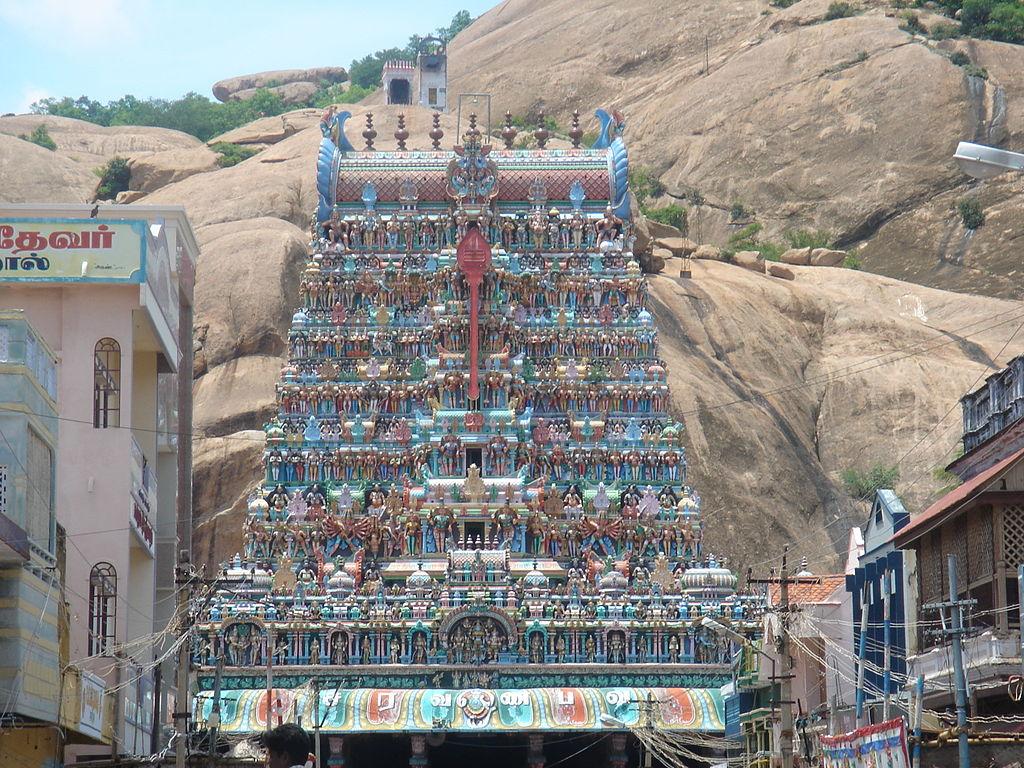 ஆறுபடைவீடு - திருப்புகழ் -தைப்பூசம் ஸ்பெசல்  1024px-Tirupparamkunram_Murugan_Temple