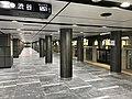 Toranomon-station-platform1-after-renewal.jpg