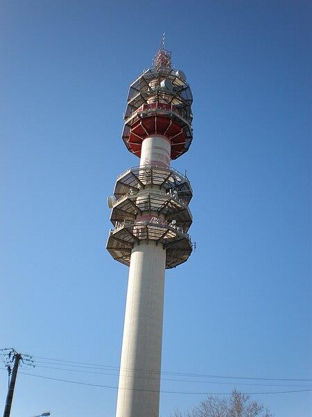 La tour-relai hertzien de Bionne à Montpellier, point culminant de la ville (hauteur 114 m)