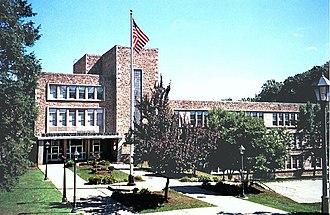 Towson High School - Image: Towson High School